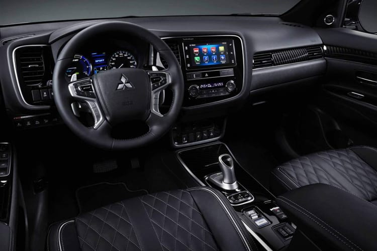 Mitsubishi Outlander PHEV SUV 2.4 h TwinMotor 13.8kWh 224PS Design 5Dr CVT [Start Stop] inside view